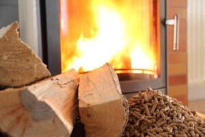 Pellets aus einer Pelletpresse kaufen Feuer Kamin Holz